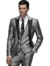 Plata Brillante Con Brim Negro Hombre Novio Esmoquin Trajes de Boda Baile / Traje Formal (Chaqueta + Pantalones + Chaleco + Corbata + Pañuelo) desde fabricantes