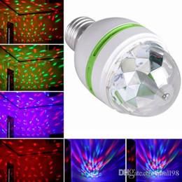 contexto de rideau vidéo Promotion Une nouvelle génération d'ampoule RGB LED E27 de 3 W et de lumières de scène à rotation de barre colorée, lampe de projection KTV disco