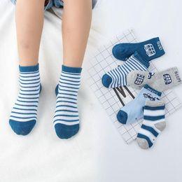 2019 le ragazze di anni vecchie calze 5 paia / lotto calzini morbidi per bambini in cotone a righe a forma di calze per bambini da 1 a 10 anni sconti le ragazze di anni vecchie calze