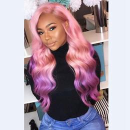 Parrucche lunghe rosa online-Parrucca anteriore sintetica glueless MHAZEL lunga ondulata rosa ombre viola, parte laterale sinistra, 26 pollici, 150% stock