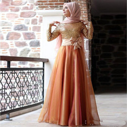 Wholesale Cheap Hijab - Cheap Muslim Gold Sequins Evening Dresses Long Sleeves Plus Size Hijab Women Formal Prom Gowns Bowknot Trimmed Arabic Gown