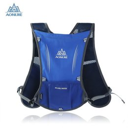 Wholesale Football Water Bottles - Wholesale-Aonijie Running Backpack 5L Trail Running Bag Vest Water Bottle Cycling Hydration Backpack Sport Bag For 1.5L Water Bags