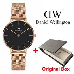 2018 Top Daniel mulheres homens moda de Wellington dw Amantes mulheres malha de aço relógios de ouro mens montre femme relojes de Fornecedores de o relógio de quartzo funciona