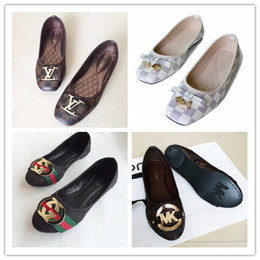 Wholesale Large Sized Ladies Shoes - 2018 New designer brands sell like hot cakes single shoes lady fashion casual shoes beach shoes size Fllops Large size 36 - 42