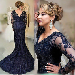 Wholesale Deep Neck Shirts - 2018 Vintage Dark Navy Long Sleeves Prom Dresses Mermaid V Neck Appliques Beaded Plus Size Mother Evening Party Gowns