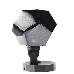 2018 efficiente proiettore a luce notturna con proiezione a stella universo 12 lampade a proiezione costellazione romantica da orologio più sottile fornitori
