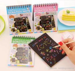 kratzer kinder kinder Rabatt DIY Scratch Art Paper Notebook Hinweis Zeichnung Stick Sketch Kinder Party Geschenk Kreative Phantasie Entwicklung Spielzeug Mix Farben