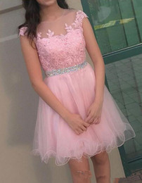 Wholesale Cute Blue Prom Dresses - 2018 Pink Short Homecoming Dresses Capped Sleeve Beading Lace Cute Round-neck 16 Prom Gowns Knee-length A-line Cocktail Dresses Custom Made