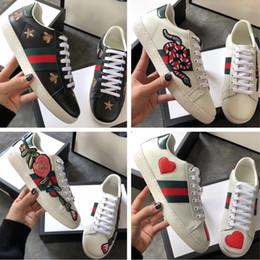 2019 melissa schuhe grün Mit Kasten 2018 kommen neue Art- und Weisestickerei-weiße Schuhe Ihre verschiedenen Kollokations-Rinds-Stickerei-API-Florea-Liebhaber-Sport-Rochenschuhe zusammen