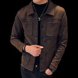 Kurze kittelstile online-2018 neue Männer britischen Stil Vintage-Design Revers kurze Wildlederjacke große Tasche lässig Multi-Pocket-Kleid Oberbekleidung Mäntel