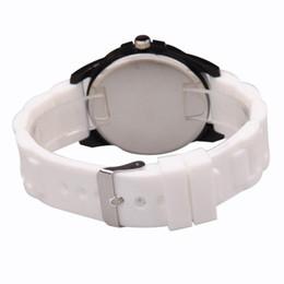 2019 relojes deportivos de silicona para niños. Reloj de hombre Reloj Hombre Real Madrid Fans Recuerdos Moda Casual Silicona Relojes de pulsera de cuarzo para niños Niños relojes deportivos de silicona para niños. baratos