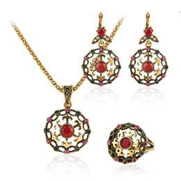 Tipos africanos on-line-Frete Grátis 3 Pcs Luxo Vermelho Jóias Moda Pétala Tipo de Casamento Nigeriano Beads Africanos Conjuntos de Jóias de Cor de Ouro Para As Mulheres