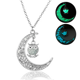 Wholesale Owl Moon Charm - Fashion Vintga Hollow Out Moon Lovely Owl Noctilucent Necklace Give Out Light Luminous Necklace
