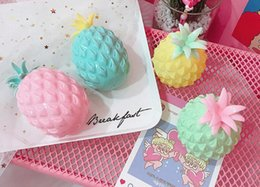 Novidade exótica on-line-New exotic decompression toys Novelty Vent Pineapple ball Children pinch happy toys Wholesale wholesale