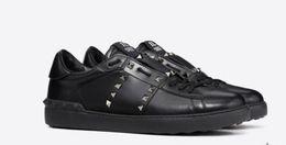 sapatas de passeio pretas das senhoras Desconto All Black Lady Comfort Casual Sapato Esporte Sapatilha Mens Sapatos De Couro Casuais Dos Namorados Das Mulheres Lazer Andar Formadores Lowtop Sneakers