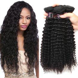 Ishow İnsan Saç Brezilyalı Kinky Kıvırcık İnsan Saç Paketler Toptan 100% Remy Saç Demetleri 3 Parça Nakliye Ücretsiz 8-28 Inç Doğal Klor nereden