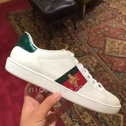 2019 chaussures italie marques pour hommes Designer de luxe Hommes Femmes Sneaker Casual Chaussures Low Top Italie Marque Ace Bee Stripes Chaussure Marche Sport Baskets Chaussures Pour Hommes promotion chaussures italie marques pour hommes