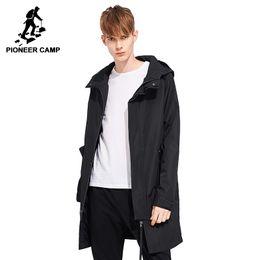 grabenmänner grün Rabatt Pioneer Lager lange Trenchcoat Männer Marke-Kleidung beiläufige mit Kapuze Mantel Qualität Windjacke männlich Mantel schwarz grün AFY803121Y1882203