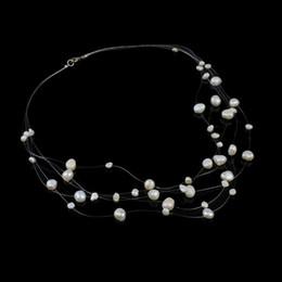 Pepitas de perlas online-Collar de gargantillas de 17 pulgadas para mujer Collar de perlas de agua dulce natural con hilo de cristal Broche de langosta de latón Nuggets blanco 4-10mm