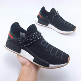 Zapatos al por mayor de los deportes de los instructores online-LUCK 2018 Barato Al Por Mayor HUMAN RACE Pharrell Williams X Hombres Mujeres Diseñador de Deportes Zapatillas Deportivas Zapatillas de deporte de lujo real Tamaño 36-45