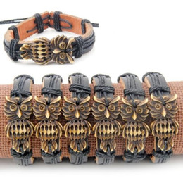 Eulengeschenke für männer online-Großhandel 12 teile / los Coole Junge Männer Stammes-stil Eule Leder armbänder Schwarz Wrap Hanf Armbänder Armreifen geschenke