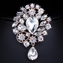 Victorian Brooches NZ   Wholesale  Vintage Wedding Accessories Shining  Crystal Rhinestones Brooch For Women Rose