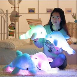 2019 großhandel delphin spielzeug Wholesale-Light-up Plüsch gefüllt FLASHING Dolphin Toy Kissen Kissen mit LED-Licht im Inneren für Party Geburtstag oder Weihnachten Geschenk geben rabatt großhandel delphin spielzeug