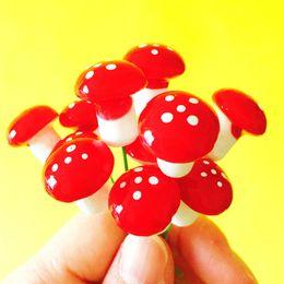 50 Pz / funghi / fairy garden gnome / moss terrario home decor / artigianato / bonsai / bottiglia da giardino / miniature / home decorazione della tavola / L020-L026 da