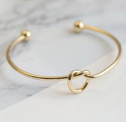Cravate unisexe en Ligne-Europe et États-Unis métal or, ruban, bijoux de couleur or rose Bracelet vent simple personnalisé cadeaux de noeud Bracelet cravate bracelet unisexe