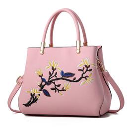 Borse bianche solide online-MONNET CAUTHY Borse per donna Eleganti per ufficio Ladies Sweet Fashion Handbags Tinta unita Rosso Rosso Bianco Blu Nero Totes per la tracolla