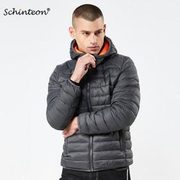 Ropa sencilla de invierno para hombres online-2018 Schinteon Winter Men Jacket Cotton-Acolchado Coat Parkas Europeo y Americano Simple Solid Clothing con Hood Warm