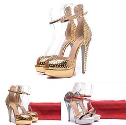 7fa52278 2018 Nuevos zapatos de mujer de 14 cm de alta calidad remaches blancos  negros con zapatos