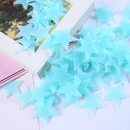 2019 tuiles de son 100 pcs / Set étoiles 3D brillent dans le noir Lumineux Stickers muraux pour enfants chambre décor de maison papier peint décoratif spécial festival