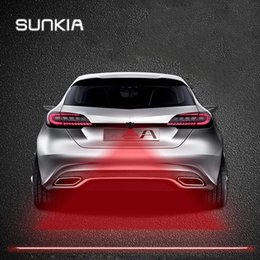 2019 luce del motociclo SUNKIA Anti Collision Rear-end Car Motorcycles Laser Tail Fendinebbia Auto Brake Parking Lamping Allevamento Attenzione Light Car Styling luce del motociclo economici