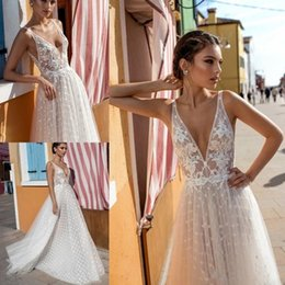 Wholesale Boho Princess Dress - Gali Karten 2018 A line Boho Wedding Dresses sleeveless Beach Sexy Deep V Neck Lace Appliqued Beaded Tulle Floor Length Empire Bridal Gowns