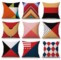 09c554349 Capa de Almofada geométrica Minimalista Vermelho Laranja Setas Tarja Xadrez  Triângulos Fronha 45X45 cm Fino Linho de Algodão Quarto Sofá Decoração