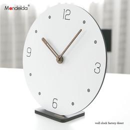 Настольные часы онлайн-Горячие Продажи Мандельда DIY Творческий Silent Bracket Смарт Настенные Часы Белый Цифровой Круглые Деревянные Часы на Стене для Украшения Дома