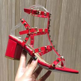 2018 yeni kadın yüksek topuklu elbise ayakkabı parti moda perçinler kızlar seksi ayak ayakkabı toka platformu pompaları ... nereden kızlar için seksi mini elbiseler tedarikçiler