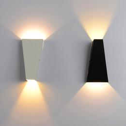 2019 appliques murales d'hôtel 10W LED Applique Murale Moderne Home Hôtel Bureau Décoration Lumière AC85-265V Applique Éclairage Fer Chaud Blanc ou Blanc appliques murales d'hôtel pas cher