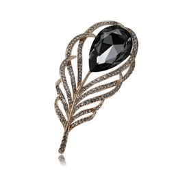 Wholesale Feather Lapel Pins - Luxury Vintage Royalty Brooches Pins Gold Plated AAA CZ Feather Brooches Suit Lapel Pins for Men Women for Party Wedding NL-739