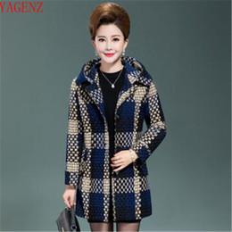 d45af71fedd4 Abbigliamento donna di mezza età Maglione di grandi dimensioni Elegante  cappotto autunno   inverno Nuovo prodotto Ispessimento Donna Top 814 felpe di  mezza ...