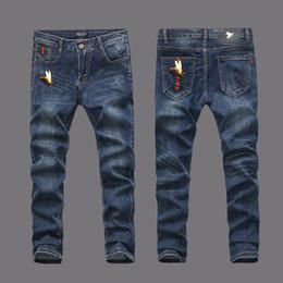 Canada Style américain européen 2017 célèbre marque mens jeans luxe hommes pantalons en denim Slim Straight bleu jeans pantalon Taille 28-40 Offre