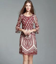 Robes de mode russes en Ligne-Chaud! 2018 Mode automne et hiver robe nouvelle dentelle grande robe haut de gamme des femmes russes livraison gratuite