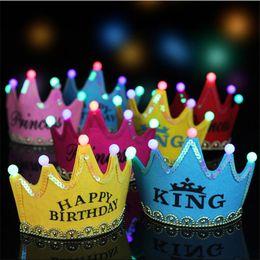 corona di buon compleanno Sconti Crown Led Happy Birthday Cap Bambini Festa di compleanno per adulti Cappello Re Principessa luminosa Led Cappelli Cosplay Natale colorato scintillante copricapo
