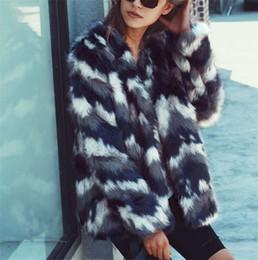 Argentina A06W033 Chaqueta de piel cálida esponjosa mujer invierno nuevo degradado azul abrigos cortos de calidad superior faux abrigo de piel de zorro S-3XL Suministro