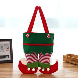 Enfeites de duende on-line-Novo Design 22 * 26 cm Tecido Não Tecido Elf Natal Calças Meia Saco de Doces Crianças X-mas Decoração Do Partido Ornamento Presente