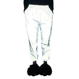 Ins quente estilo brilho Club look primavera outono Homens e mulheres calças reflexivas calças compridas casuais de Fornecedores de camisola coreana da mulher do pescoço redondo