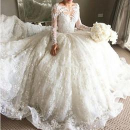 Meilleures robes de mariée taille plus en Ligne-Robes de mariée de luxe en dentelle de bal robe 2018 perlé à manches longues 3D Robes de mariée appliques florales meilleure vente de robe de mariée de taille plus