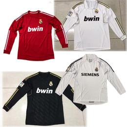 Camiseta de fútbol de alta calidad Real Madrid 2010 Retro 2006 Camiseta de  fútbol Real Madrid Retro versión OVERMARS 11 RAUL 7 camisetas de fútbol  Retro 8f2f65496eadd