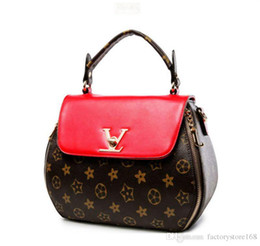 9871d61991ed Women Geometry Printing Luxury Designer Handbags Small V Style Lock  Clamshell Shoulder Bags Zipper Crossbody Bags